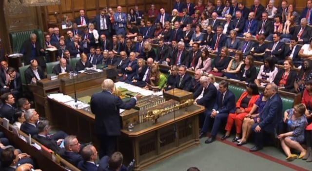 Echos du Brexit: Boris Johnson chasse de son parti le petit-fils du grand Winston Churchill