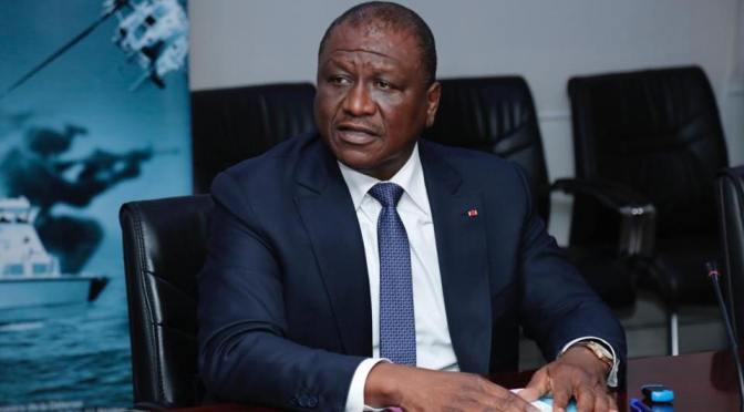 Cote d'Ivoire: Cité dans une affaire de trafic de stupéfiants, le puissant ministre de la defense contre-attaque